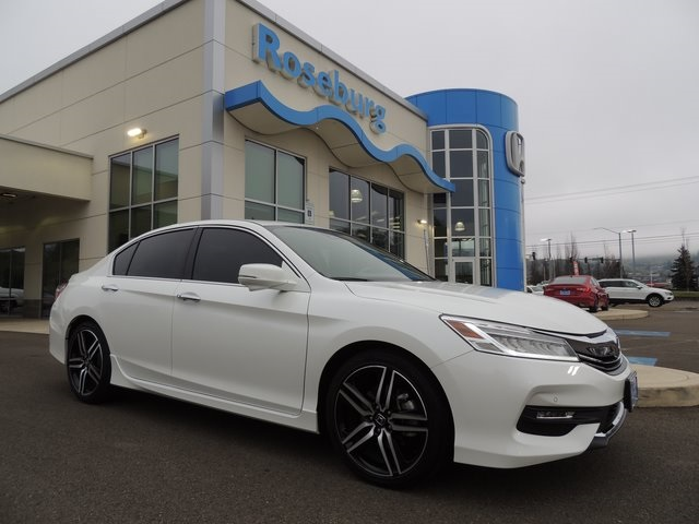 Certified Pre-Owned 2017 Honda Accord Touring